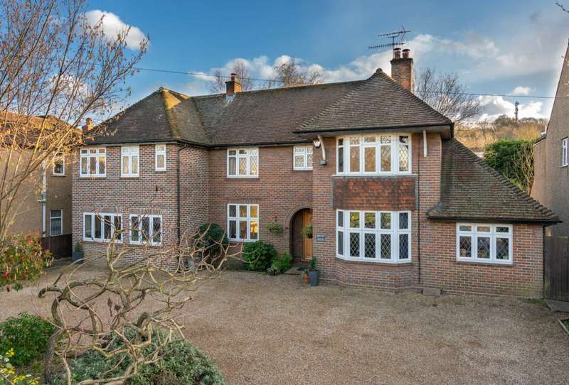 5 Bedrooms Detached House for sale in POPULAR BOXMOOR LOCATION, Family Home with Annex, OVER 2300 SQ FT