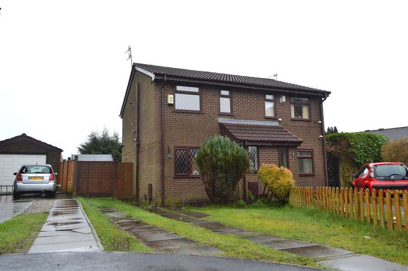 2 Bedrooms Semi Detached House for sale in Stockton Park, Lees, Oldham, OL4 3BG
