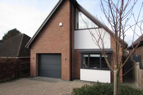 3 Bedrooms Property for sale in St Georges Avenue, Hinckley