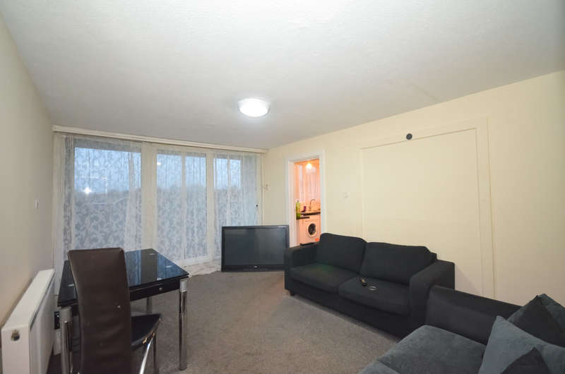 3 Bedrooms Flat for sale in Bolton Road, London, N18 1HR