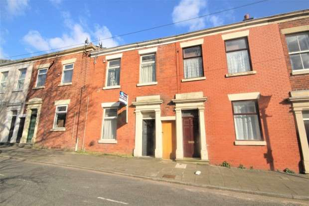 3 Bedrooms Block Of Apartments Flat for sale in Stanley Place, Preston, PR1