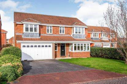 5 Bedrooms Detached House for sale in Crosswell Park, Ingleby Barwick, Stockton On Tees