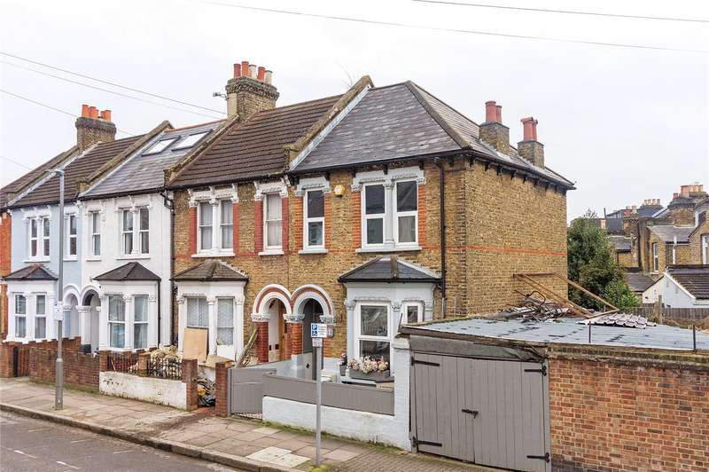3 Bedrooms End Of Terrace House for sale in Khama Road, London, SW17