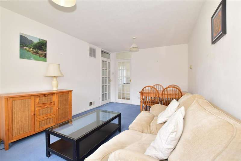 2 Bedrooms Flat for sale in Old Dover Road, , Canterbury, Kent