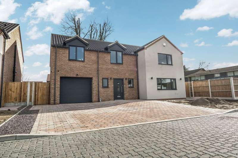 5 Bedrooms Detached House for sale in Burgh Road, Gorleston, Great Yarmouth, NR31