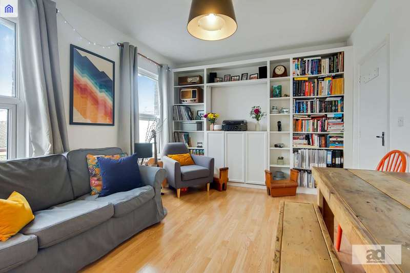 2 Bedrooms Flat for sale in Crownfield Road, Stratford