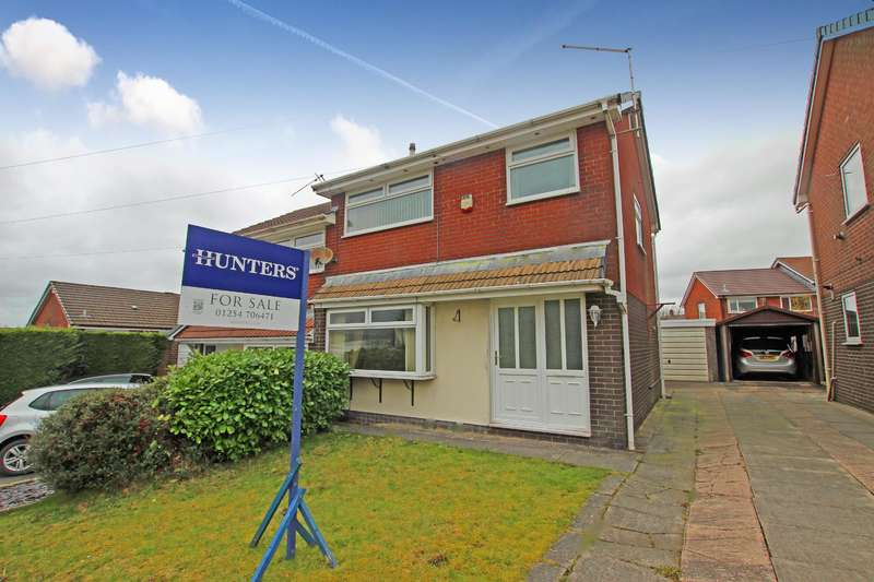 3 Bedrooms Semi Detached House for sale in Marsh House Lane, Darwen, BB3 3SD