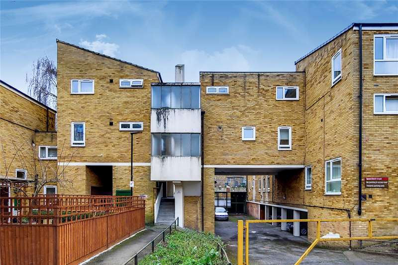 2 Bedrooms Flat for sale in Russell Road, London