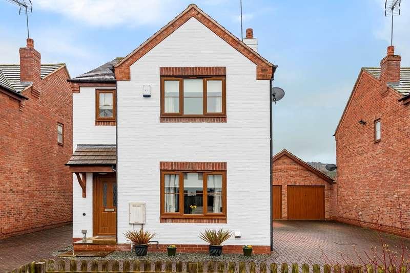 3 Bedrooms Detached House for sale in Shurdington, Cheltenham