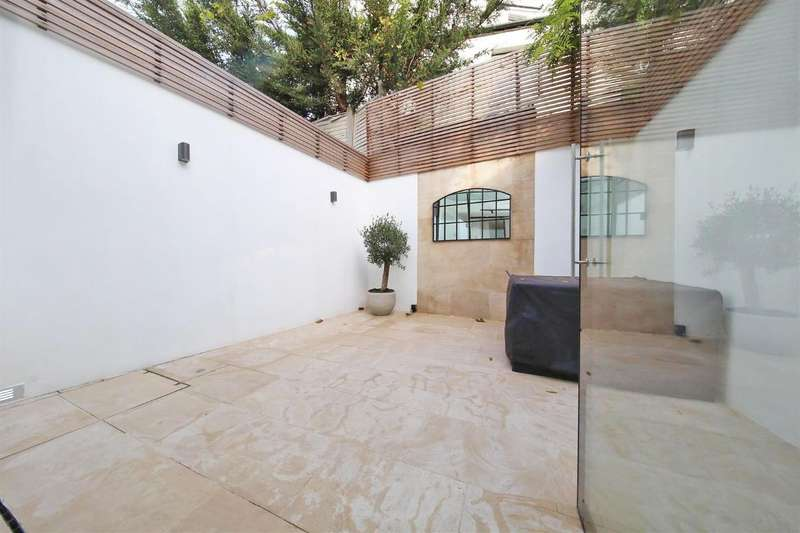 4 Bedrooms Terraced House for sale in Prospect Road, Childs Hill NW2