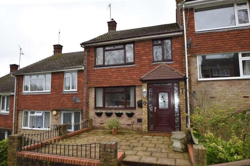 3 Bedrooms Terraced House for sale in Sundridge Drive, Walderslade, Chatham, ME5