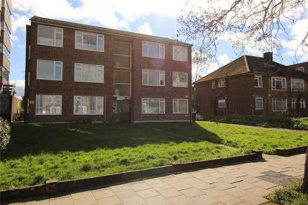 2 Bedrooms Flat for sale in 65 Croydon Road, Penge, London