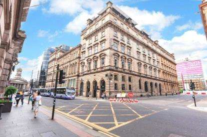 2 Bedrooms Flat for sale in South Frederick Street, Glasgow