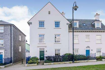 5 Bedrooms Semi Detached House for sale in Nansladen, Newquay, Cornwall