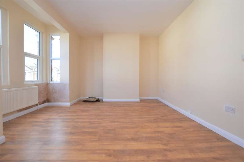 4 Bedrooms Terraced House for rent in Hampton Road, Ilford, IG1