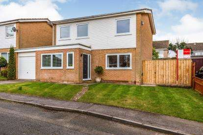 4 Bedrooms Detached House for sale in Chaytor Lea, Yarm, Durham