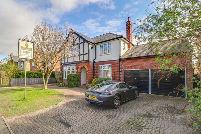 6 Bedrooms Detached House for sale in Melbourn Road, Royston, SG8