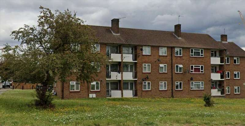 2 Bedrooms Apartment Flat for sale in Rushgrove Court, Rushgrove Avenue, Colindale