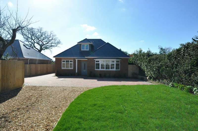 3 Bedrooms Detached House for sale in St Leonards, Ringwood, BH24 2LS