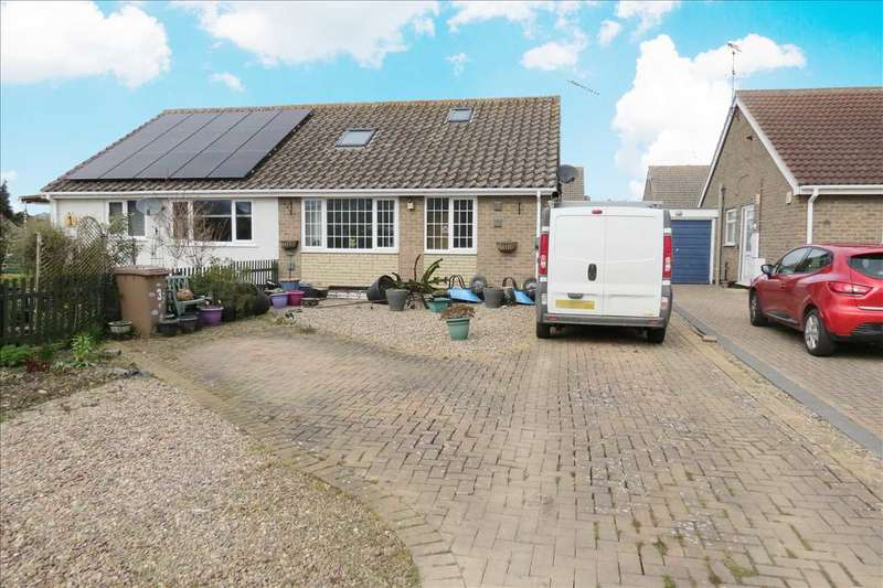 3 Bedrooms Semi Detached Bungalow for sale in Sleaford Road, Cranwell Village