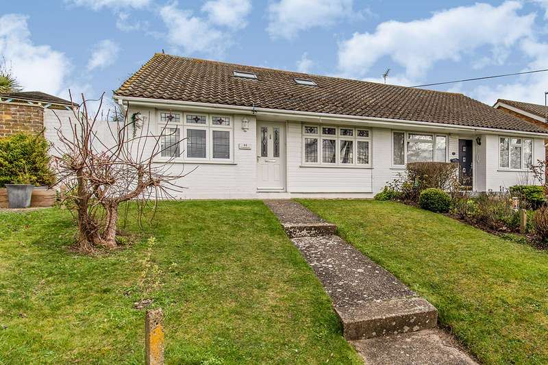 3 Bedrooms Semi Detached Bungalow for sale in Castlefields, Istead Rise, Gravesend, Kent, DA13