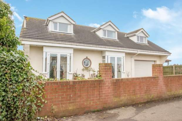 Detached Bungalow for sale in Woodhorn Road Back, Ashington, Northumberland, NE63 9AQ