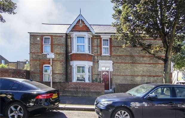 2 Bedrooms Flat for sale in Eldon Road, Walthamstow, London