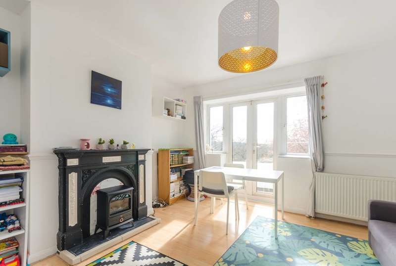 2 Bedrooms Flat for sale in The Woodlands, Upper Norwood, SE19