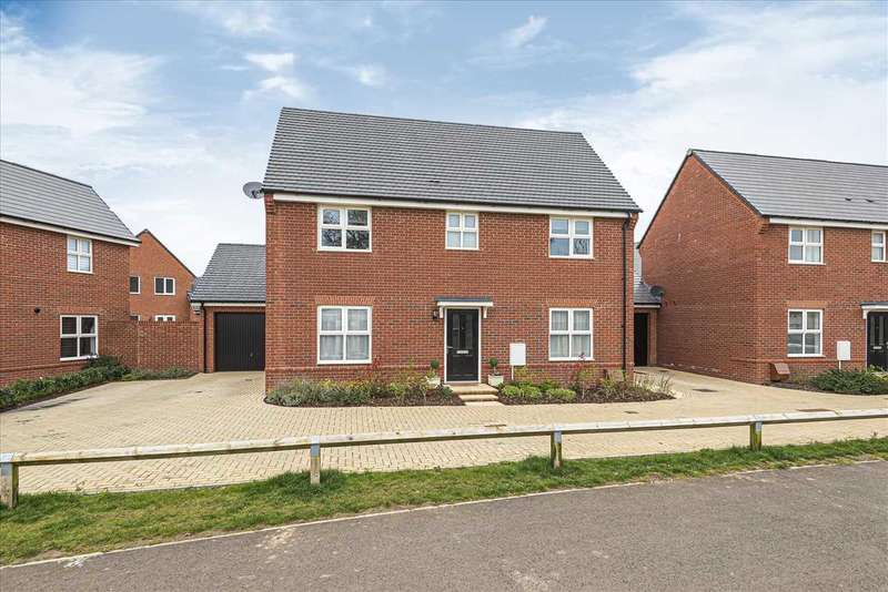 4 Bedrooms Detached House for sale in Harebell Road, Andover
