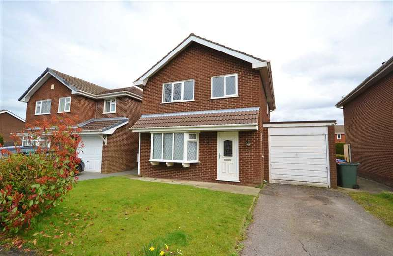 3 Bedrooms Detached House for sale in Pear Tree Avenue, Coppull, Chorley