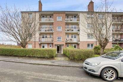 3 Bedrooms Flat for sale in 1/1, 62 Kerrycroy Avenue, Glasgow, Lanarkshire
