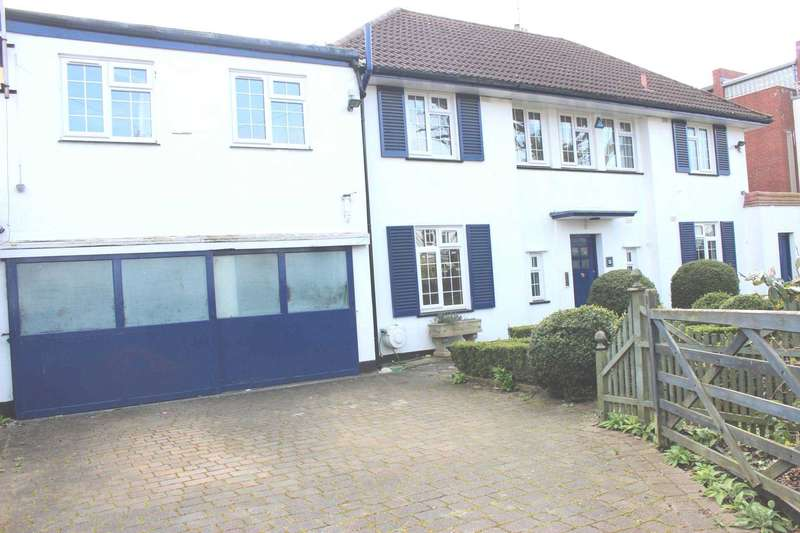 5 Bedrooms House for rent in Hardy Road, Blackheath, SE3 7NS
