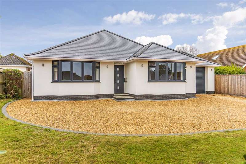 4 Bedrooms Detached Bungalow for sale in New Milton