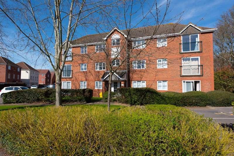 2 Bedrooms Apartment Flat for rent in Collingwood, Farnborough, GU14