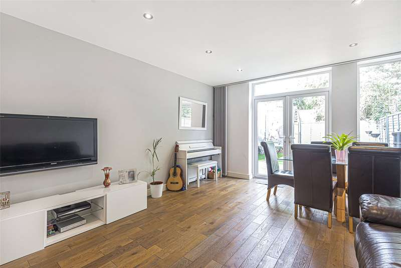 3 Bedrooms Terraced House for sale in King Charles Walk, London, SW19