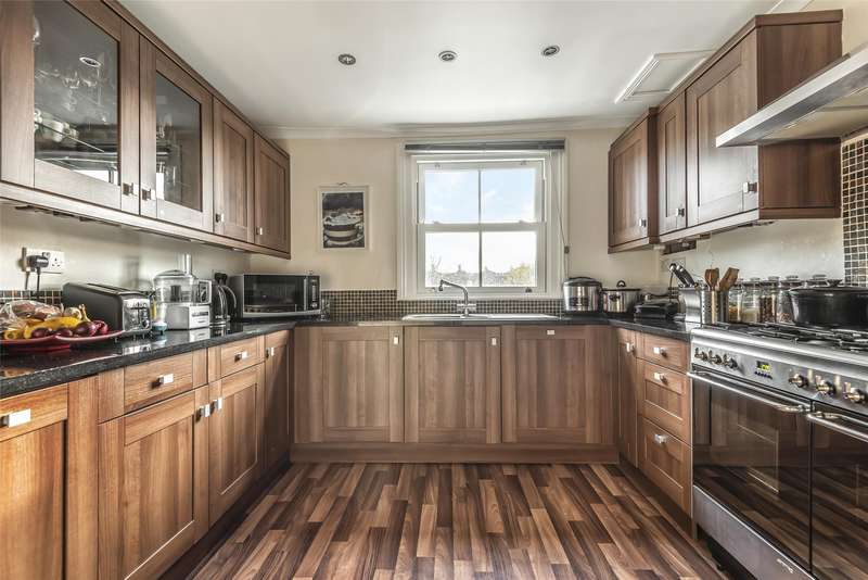 2 Bedrooms Apartment Flat for sale in Fernlea Road, Balham, LONDON, SW12