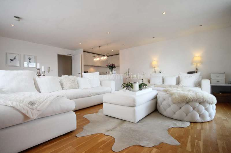 2 Bedrooms Apartment Flat for sale in The Base, 12 Arundel Street, Castlefield
