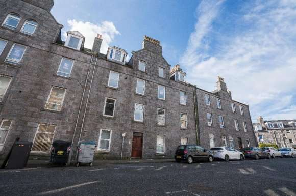 2 Bedrooms Flat for rent in Portland Street, City Centre, Aberdeen, AB11