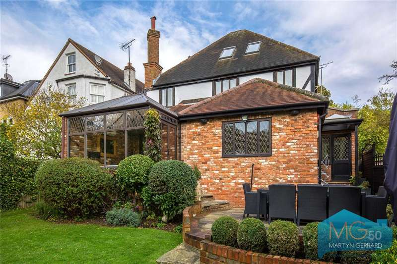 5 Bedrooms Detached House for sale in Barnet Gate Lane, Barnet, Hertfordshire, EN5