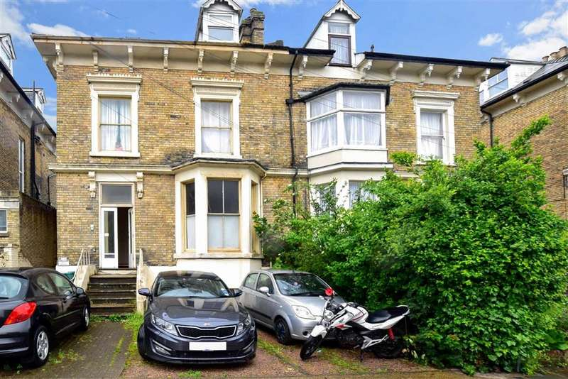 2 Bedrooms Ground Flat for sale in Maison Dieu Road, , Dover, Kent