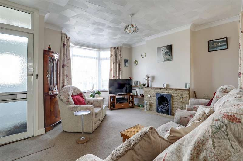 3 Bedrooms End Of Terrace House for sale in Burley Road, Sittingbourne
