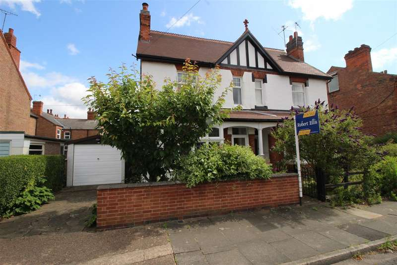 4 Bedrooms Semi Detached House for sale in Cromwell Road, Beeston, Nottingham