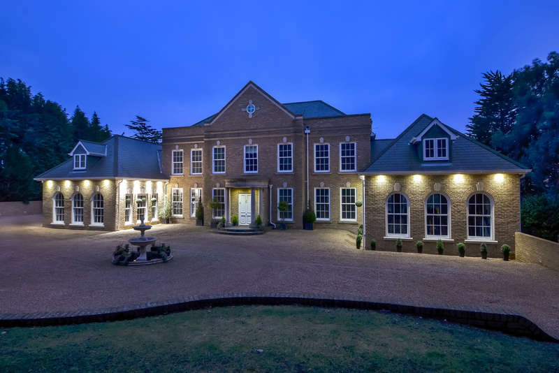 6 Bedrooms Detached House for sale in Wickham, Hampshire