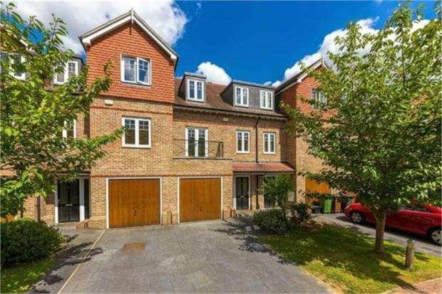 3 Bedrooms Terraced House for rent in Highbridge Close, Radlett, Hertfordshire