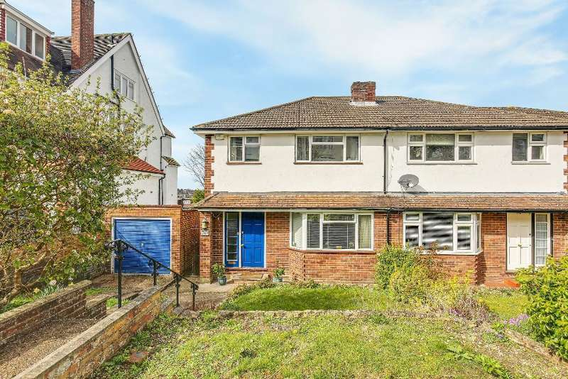 3 Bedrooms Semi Detached House for sale in Beechwood Road, Croydon, CR2 0AE
