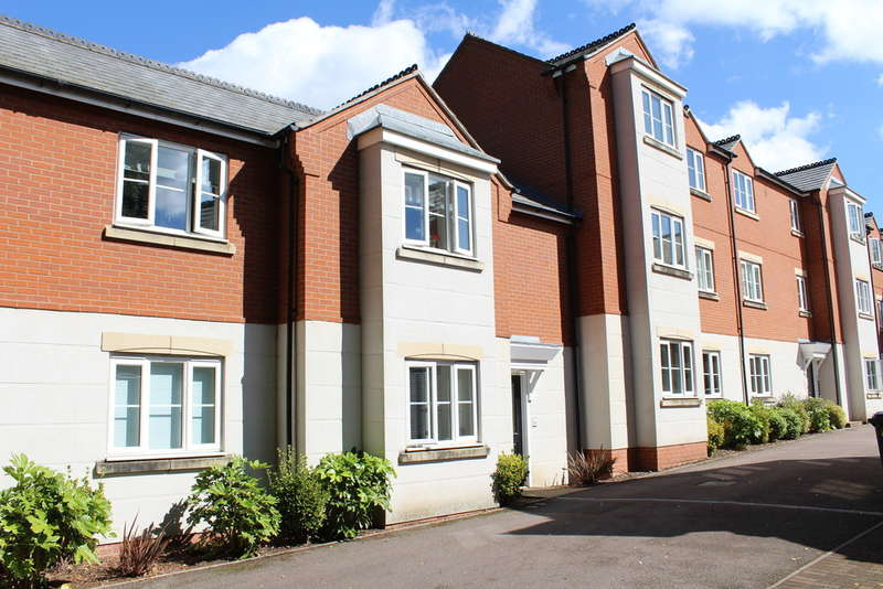 2 Bedrooms Flat for rent in Paget Close, Rothley