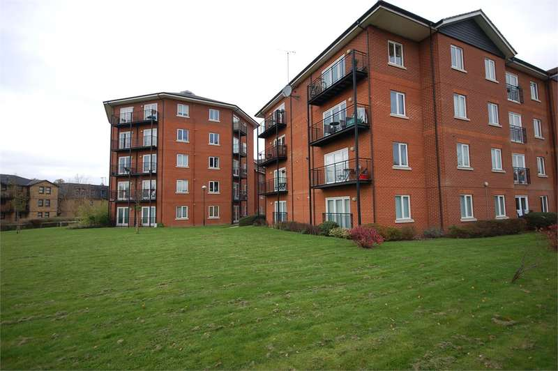 3 Bedrooms Serviced Apartments Flat for rent in Mallards Court Bishops Stortford