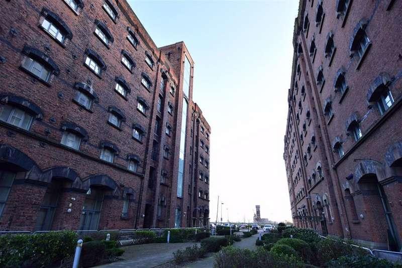3 Bedrooms Flat for sale in Dock Road, Birkenhead, Merseyside