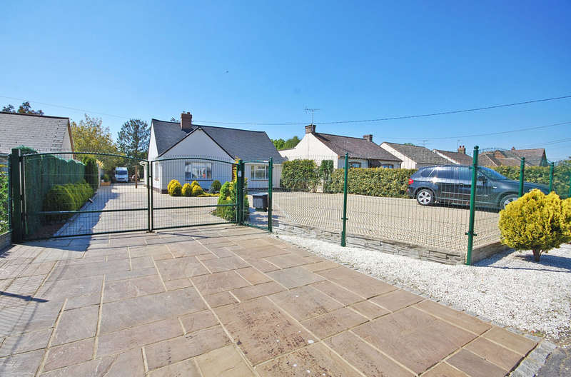 4 Bedrooms Detached Bungalow for sale in Mill Lane, Cressing, Braintree, CM77