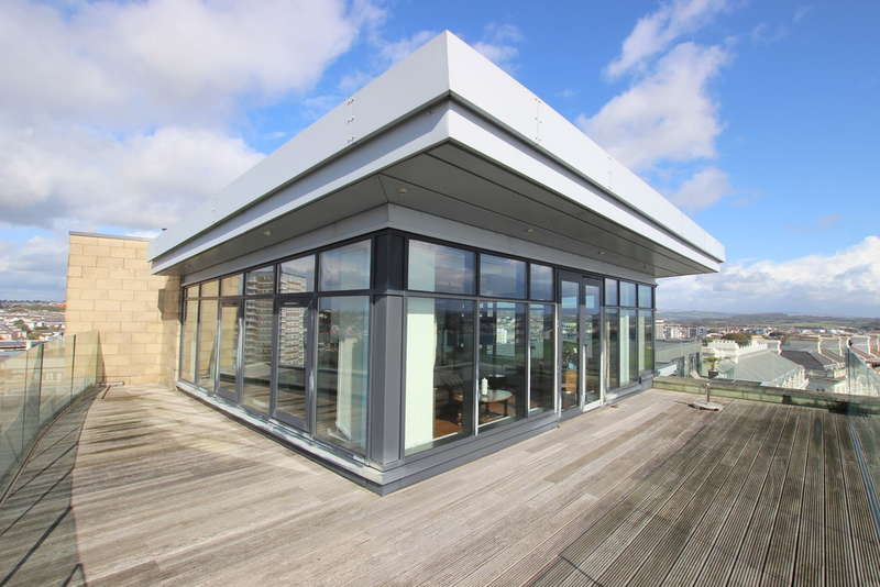 3 Bedrooms Flat for sale in Azure, 55 Cliff Road, The Hoe, Plymouth, Devon, PL1 2PE